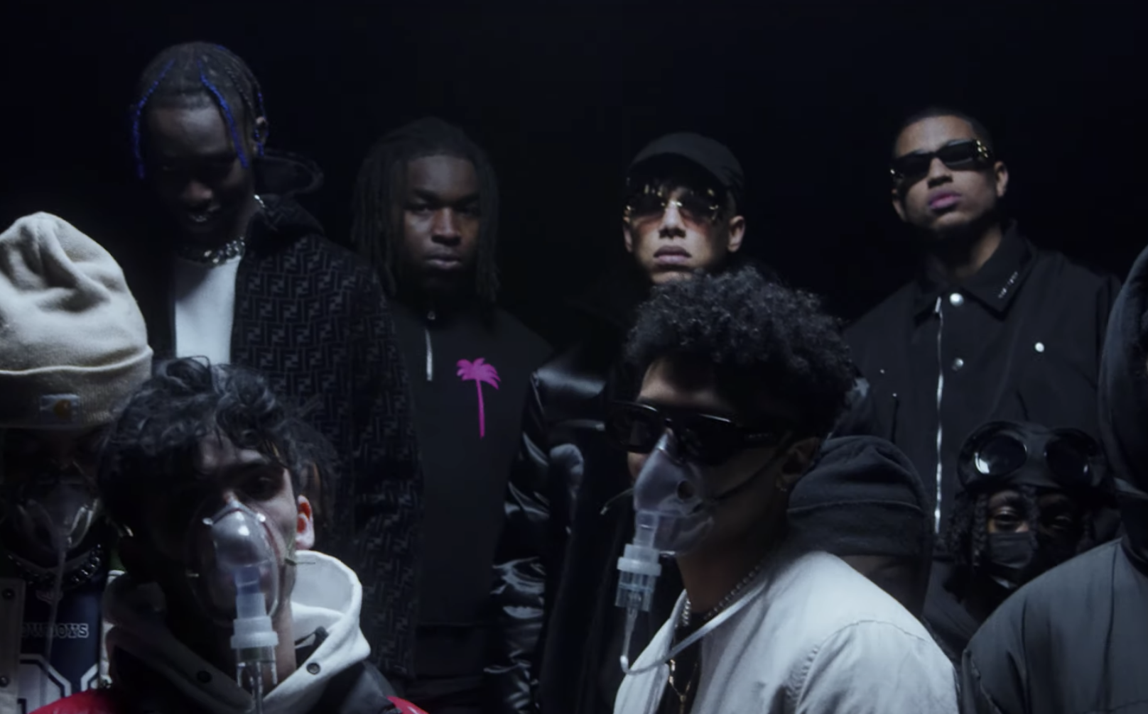 Le producteur Chuki Beats a décidé de fêter la fin du couvre feu belge en produisant un titre. On y retrouve YG Pablo, Frenetik et Geeeko.